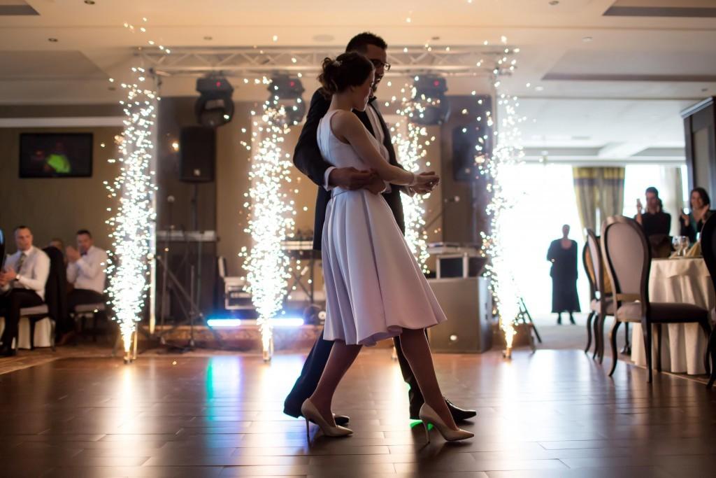 Preguntas Baile de Boda Baile Nupcial Baile de Novios Sencillo Juan Brenes Dancer Laura Holt Dancer