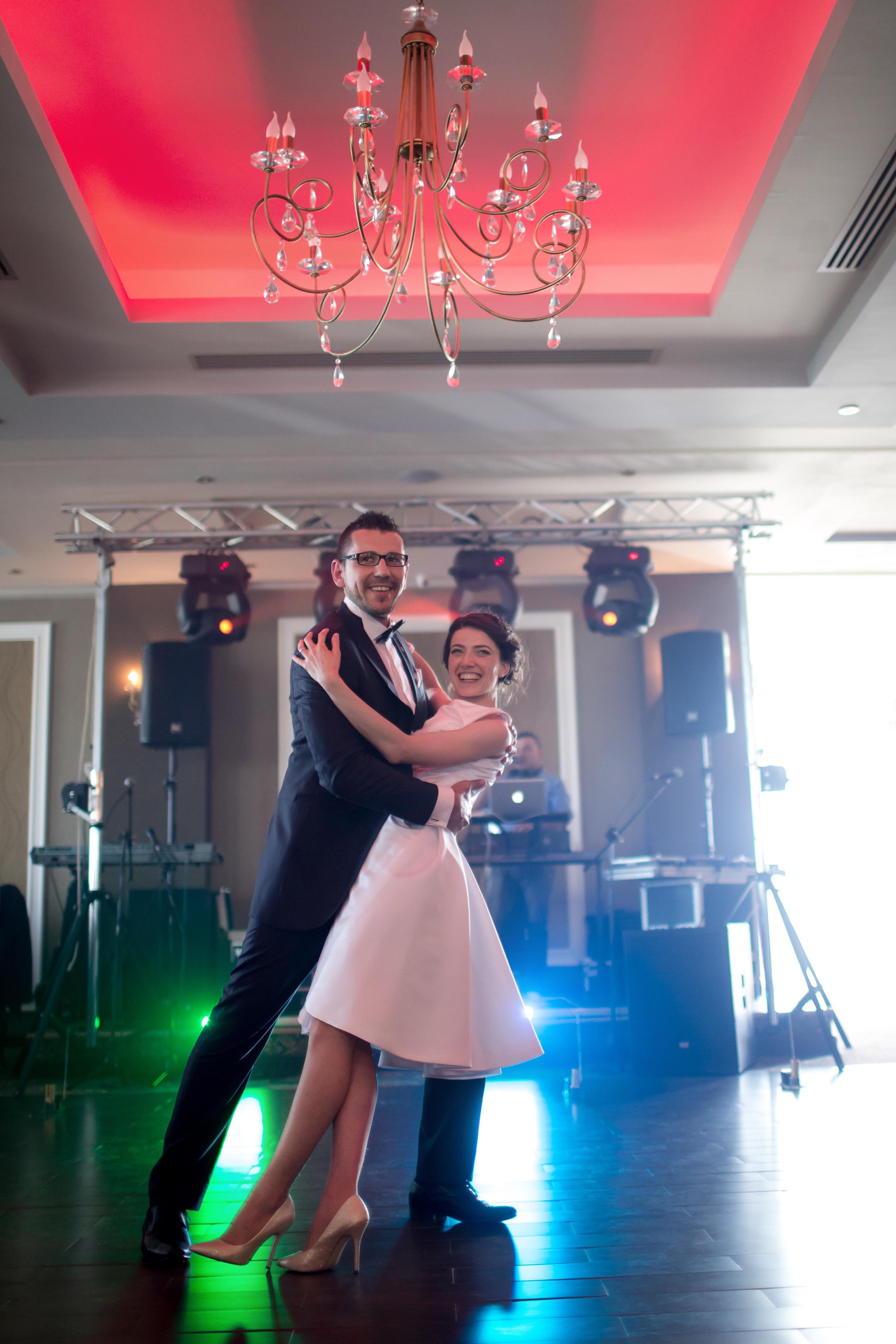Baile Boda Swing Clases Baile de Boda Swing Clases de Baile de Boda Baile de Novios Baile Nupcial Clases Online Juan Brenes Dancer